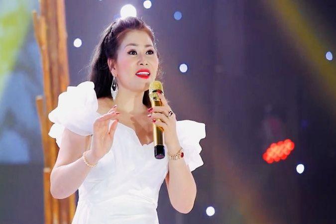 """""""Họa mi"""" Lê Sông Lam: """"Tôi tự tin và háo hức tranh tài tại cuộc thi Ms Universe Bussiness 2020"""""""